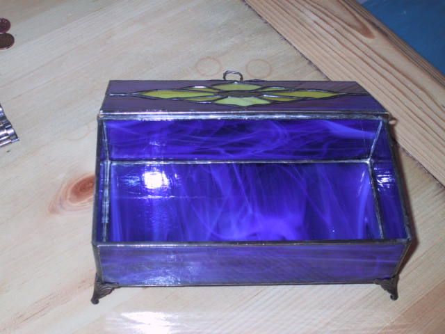 same jewelry box with lid open